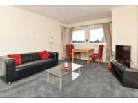 Well-presented, 2 bedroom, top floor flat with en suite access in Fountainbridge available October!