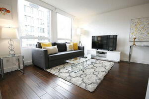 ***NEWLY RENOVATED YALETOWN 1 BED + DEN CONDO***