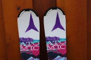 Like new..Girl Atomic 100 cm skis, ski boots Tecno pro 20.5