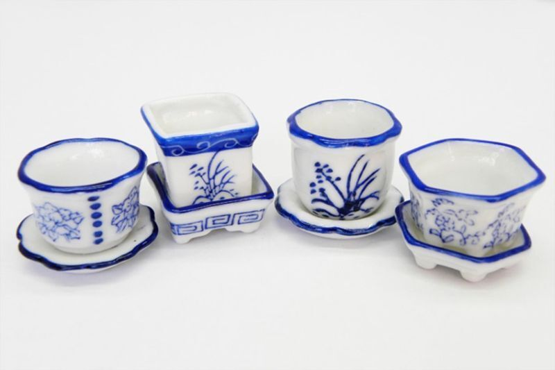 Dollhouse Miniature Set of 4 Blue and White Ceramic Flower Pots with Saucers