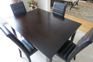Brown Dining Table Set w/ 4 chairs