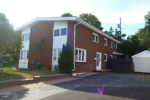 BEAUTIFULLY UPDATED HOME IN ELLIOT LAKE !!!!! SOLD