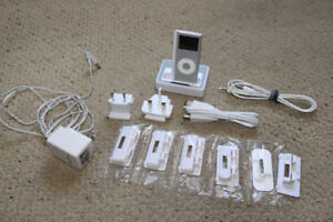 Maxwell Universal Charging/Playing Dock for IPod