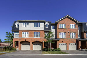 SPACIOUS MODERN TOWNHOME IN MISSISSAUGA LAKEVIEW COMMUNITY