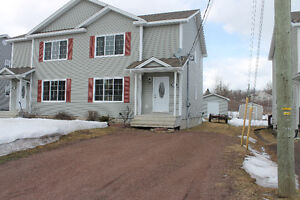 OPEN HOUSE SUNDAY 2-4pm DIEPPE / PRIVATE BACKYARD / 7 YEARS OLD