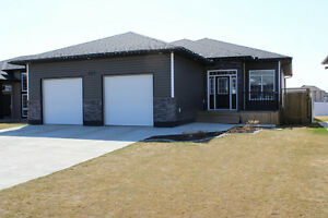 Spacious Home with Dream Basement, Backing Huge Family Park!