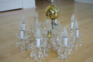 "Austrian Swarovski Crystal Chandelier (22"" across, 8-lights)Or"