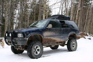 "1997 Chevy Blazer 4x4 33"" tires"