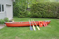Great condition Coleman 15ft canoe, 3 paddles and 2 life vests