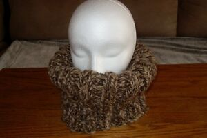 Knitted Ribbed Cowl / Collet tricoté nervuré