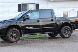 2014 Nissan Titan Pickup Truck