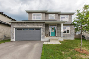 Immaculate 4 bed/3 bath home w/ huge yard in Carleton Place