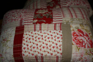 Beautiful quilt with pillow shams
