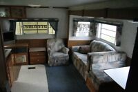 Dutchman 5 th wheel travel trailer with slide out