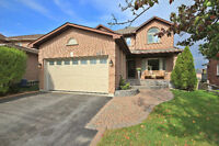 Entertainers Dream home in Demand Area of Newmarket