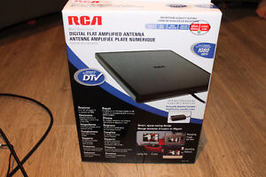 RCA MULTI-DIRECTIONAL DIGITAL FLAT AMPLIFIED ANTENNA