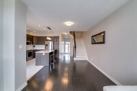 3 Bedroom Townhouse w/ Finished Rec Room in BSMT (Orleans)