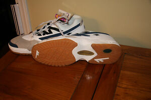 Size 14 Hi-Tec Indoor Athletic Shoes - Kingston Kingston Area image 2