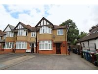 2 Bed flat in north harrow with garden and parking