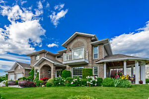 Luxury Family Home and Small Farm in Osoyoos - B&B Potential