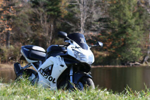 2001 Honda CBR 929RR with extras $3000.