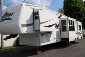 2004 Keystone RV Everest 394Q FIFTH-WHEEL 37 pieds