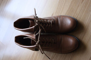 (Like NEW)Seve Madden Leather Booties