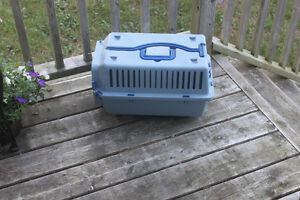 Cat or Pup Kennel / Pet Carrier