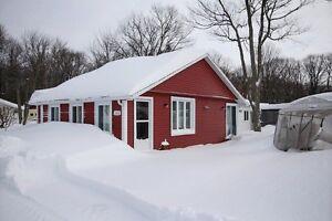 À VENDRE: Belle petite maison rénovée