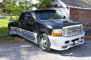 Parting out 2000 Ford F350 XLT Crew Cab Long Box Dually