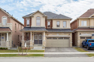 Smoking Hot Deal In Churchill Meadows!