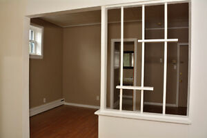 ONE BEDROOM ALL IN $725.00 AVAILABLE DECEMBER 1ST. Cornwall Ontario image 5