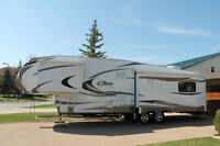 36 1/2 FT. 5th Wheel Keystone Cougar Model 327RES