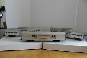 LIONEL TRAINS PASSENGER CARS
