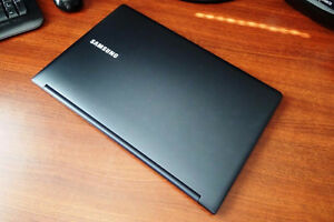 "LIKE NEW Samsung NP900X4C 15"" LED Ultrabook - Intel Core i5"