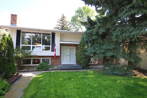 3 Bedroom Home For Sale - 72 WILLOUGHBY CRESCENT
