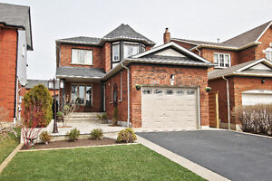 Stunning 3+1 Bedroom Detached Home for Lease in Mississauga