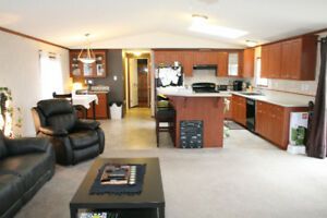 HOUSE FOR SALE - MOBILE HOME