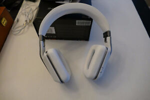 Monster Inspiration Headphones in white. Beautiful design