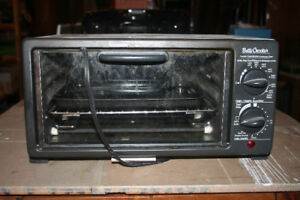 Toaster Oven made by Betty Crocker