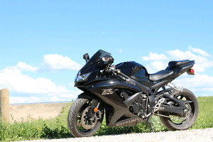 Selling 2008 gsxr 750 (17000km) safetied for $7500 obo