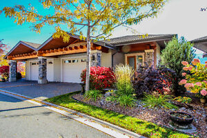 Beautiful Rancher Style Home in Sun Rivers Community