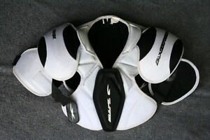 Louisville shoulder pads. Size Jr - Lg