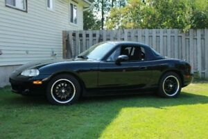 2001 Mazda Miata with Hard top and Roll bar!