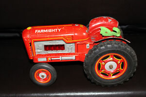 Collectible Vintage Red Tractor Tin Toy!!! Farmighty. London Ontario image 2