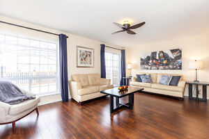 LARGE 3 BED+LOFT END UNIT ON PREMIUM SIZED LOT / A MUST SEE