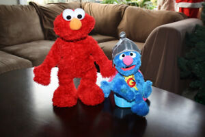 Tickle me Elmo,Talking Grover & Potty time with Elmo book