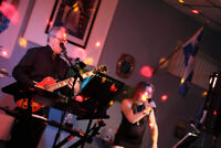 Dice duo for your New year party?We just had a cancelation.