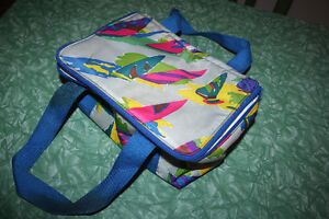 NEW Colourful Insulated lunch bag. zips with double straps. Kitchener / Waterloo Kitchener Area image 1