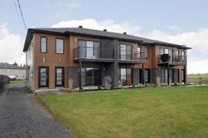 Construction 2016 / 6plex tout loué /à vendre à Howick